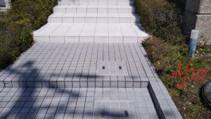 水垢・油汚れのエントランスタイルを安心安全な環境対応型特殊洗浄G-Eco工法で施工後